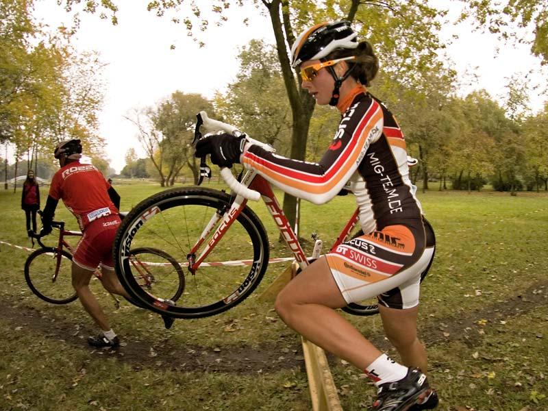 Benkó Barbara (Focus M.I.G. Team) magabiztosan nyerte az első futamot