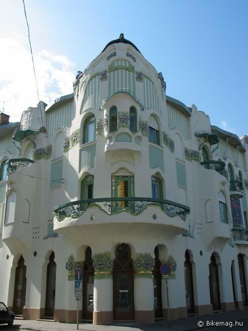 A hazai szecesszió legkeményebb vonulata – Magyar Ede Reök-palotája