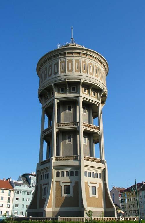 Zielinski Szilárd a hazai vasbeton építészet egyik úttörője, a közismert margitszigeti víztorony tervezője Szegeden is alkotott – nem is gyengét. A szegedi víztorony építését 1902-ben kezdték el