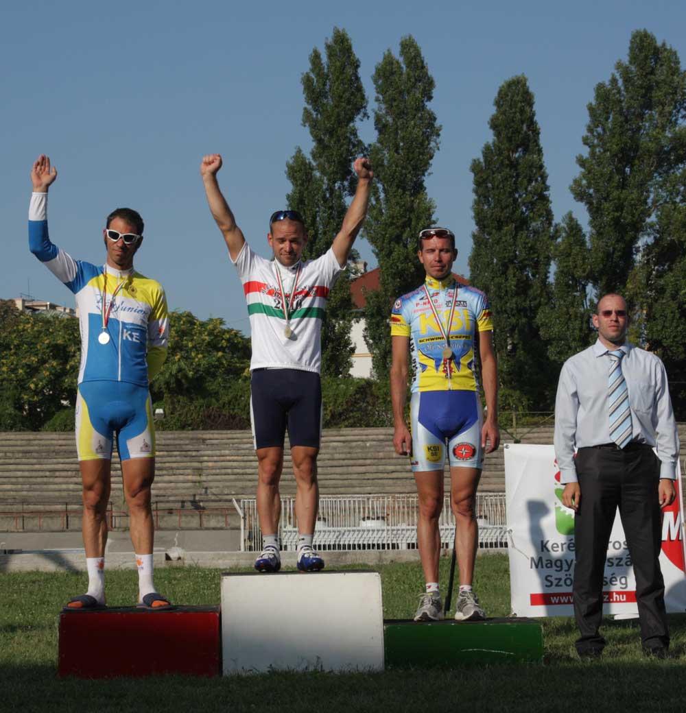 Szeghalmi Bálint nyerte az idei pálya ob scratch futamát