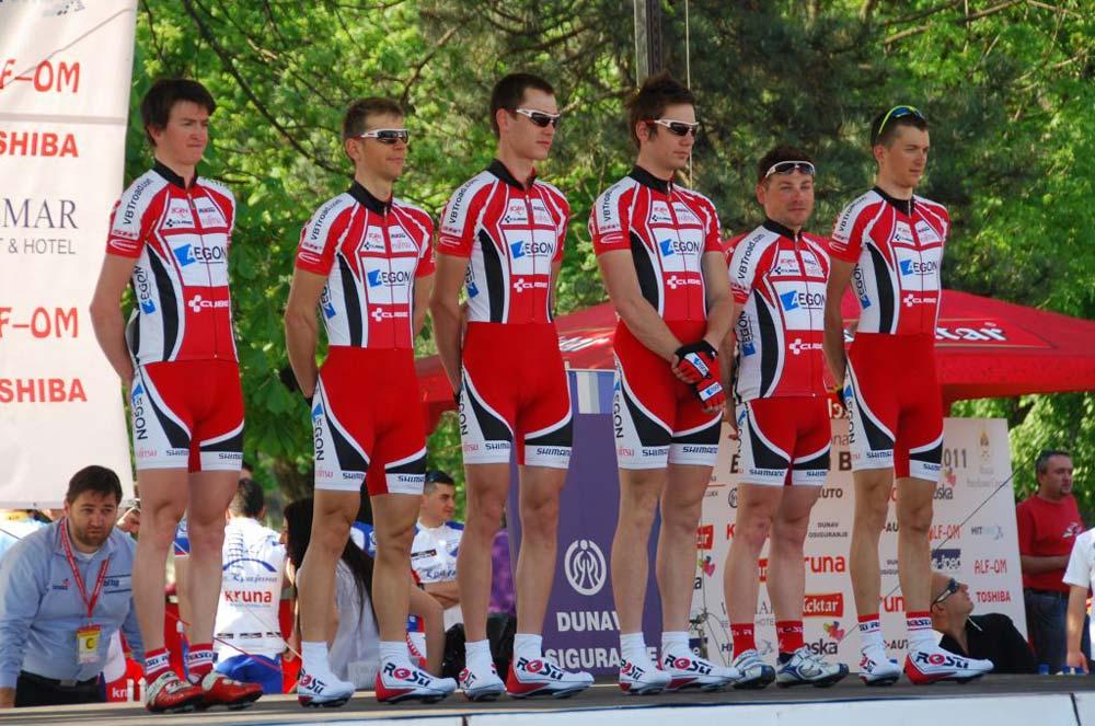 Az AEGON Cycling Team Szerb Körversenyre nevezett kerete a csapatbemutatón
