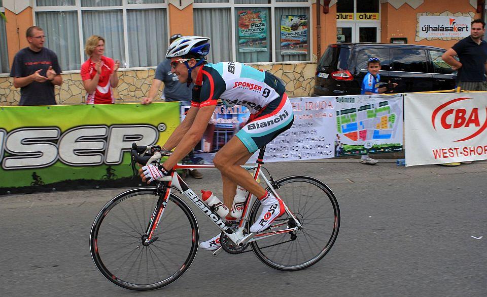 A cél előtt Molnár Pisti meglepte kicsit ellenfeleit hosszú hajrát nyitva, így megnyerte a versenyt Pelikán és Csomor előtt.