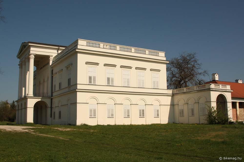 Sándor-Metternich kastély, Bajna