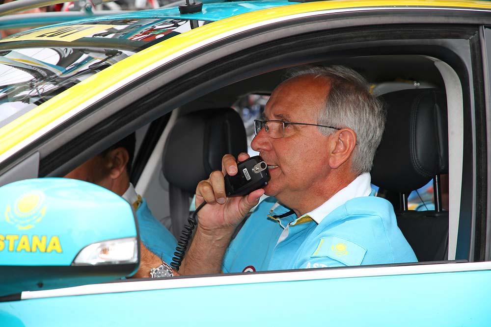 Giuseppe Martinelli talán épp Contador fülére beszél