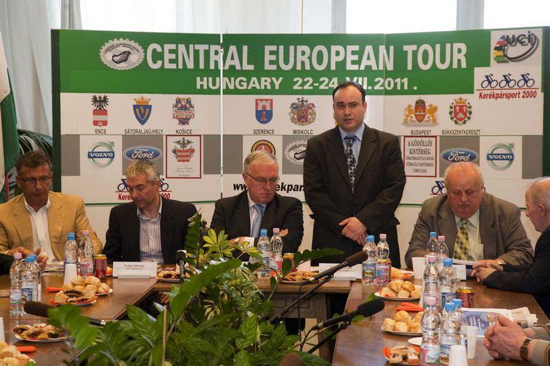 A Central European Tour sajtótájékoztatója, mely az UCI elnök részvételével zajlott