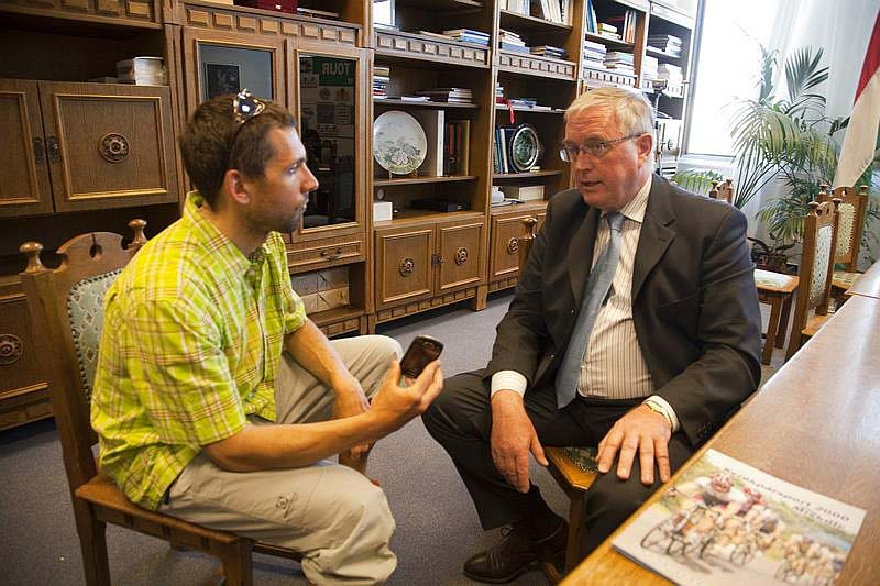 Takács Tamás interjút készít az UCI elnökével