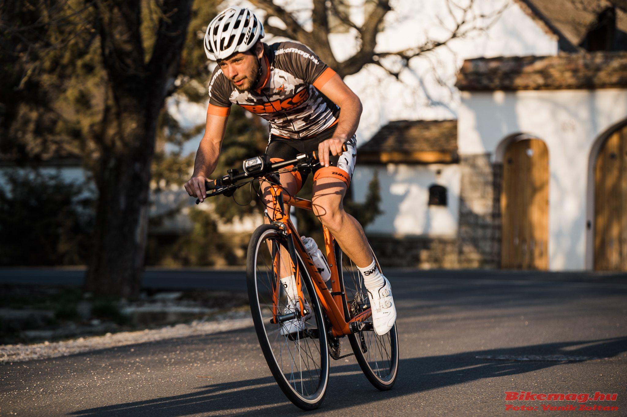 KTM Strada 800 Speed - Balaton-felvidéki túrákhoz ideális