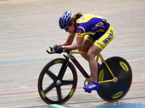Az 500 méteres szám felnőtt női bajnoka, Hazai Boglárka (BVSC) a 13. helyen végzett