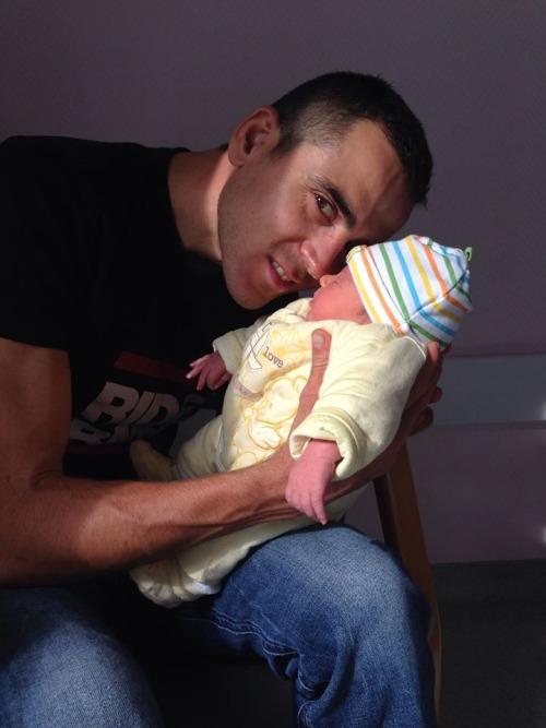Julien Absalon és második fia Louca
