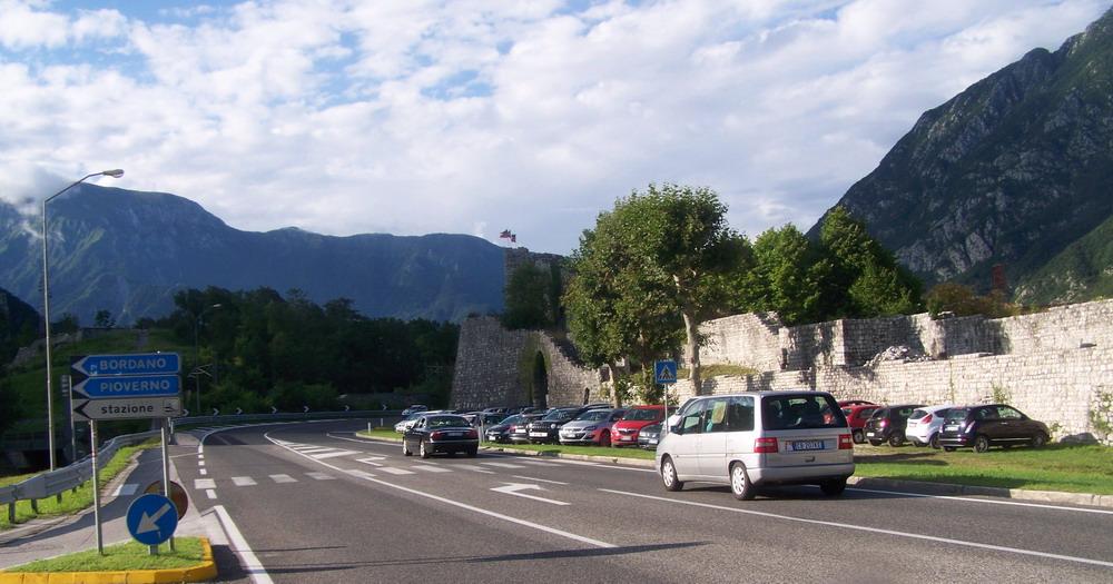 Kiértünk a hegyek közül, közeledünk Udine városához