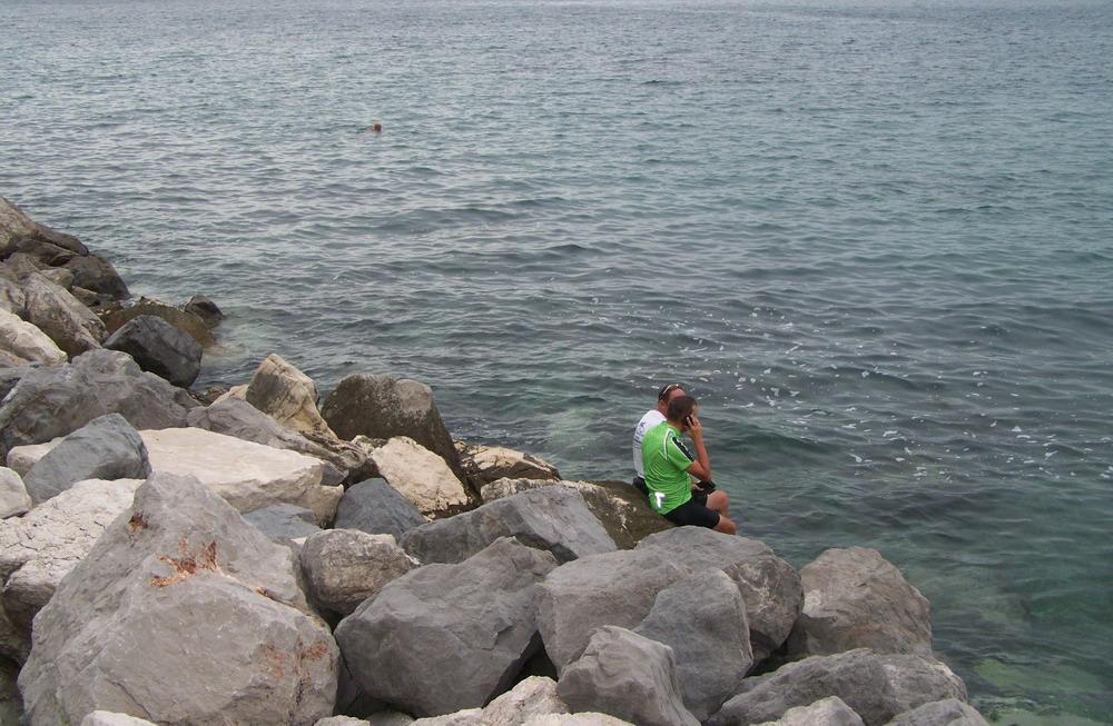 Hűvös volt a víz, csak lábmosásra futotta