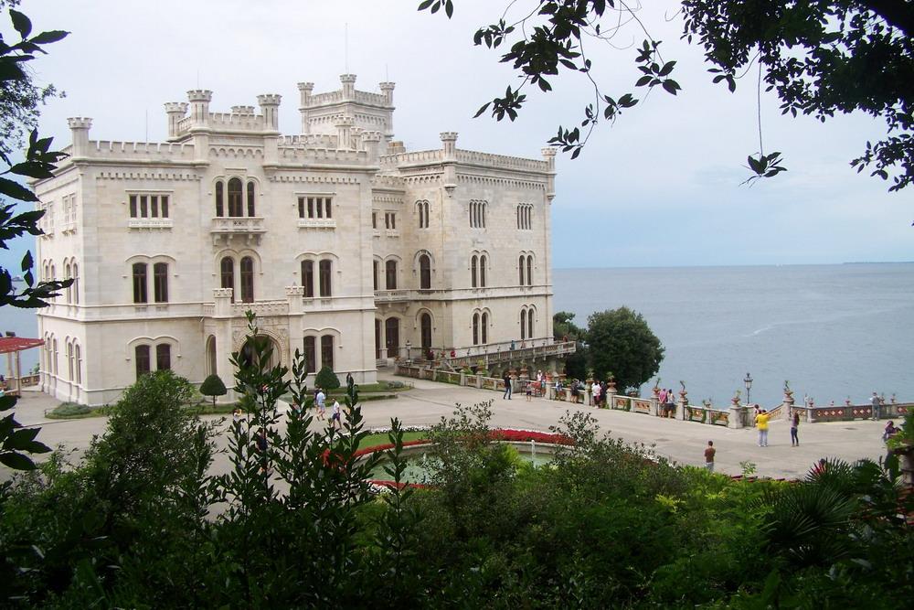 Miramare-kastély, Trieszt