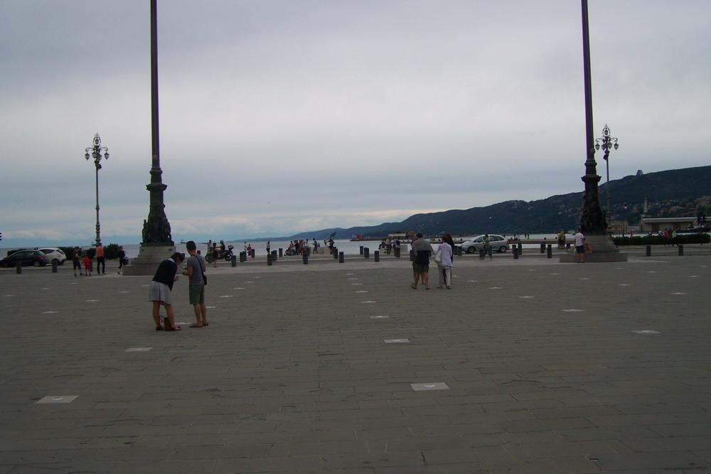 Trieszt főtere, a tengerre nyitott oldal