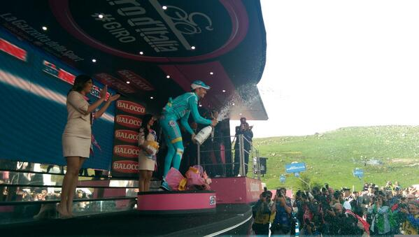 Fabio Aru a dobogón (Fotó: Giro d'Italia - RCS)