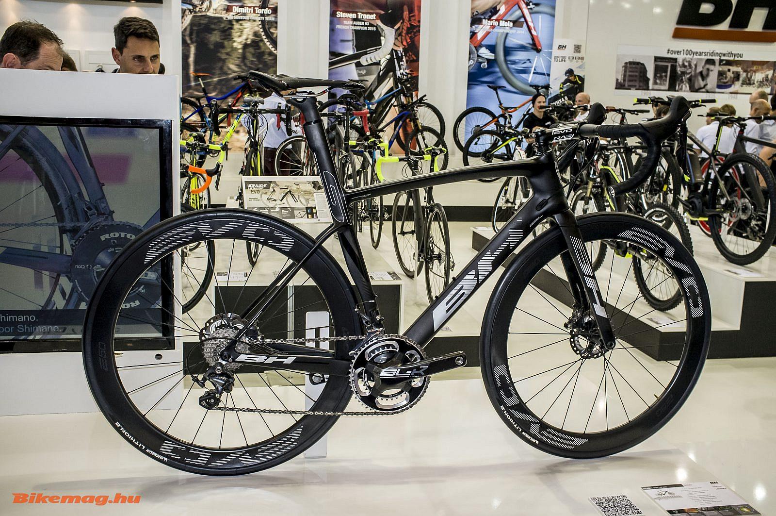 A BH G7 tárcsafékes aero kerékpár