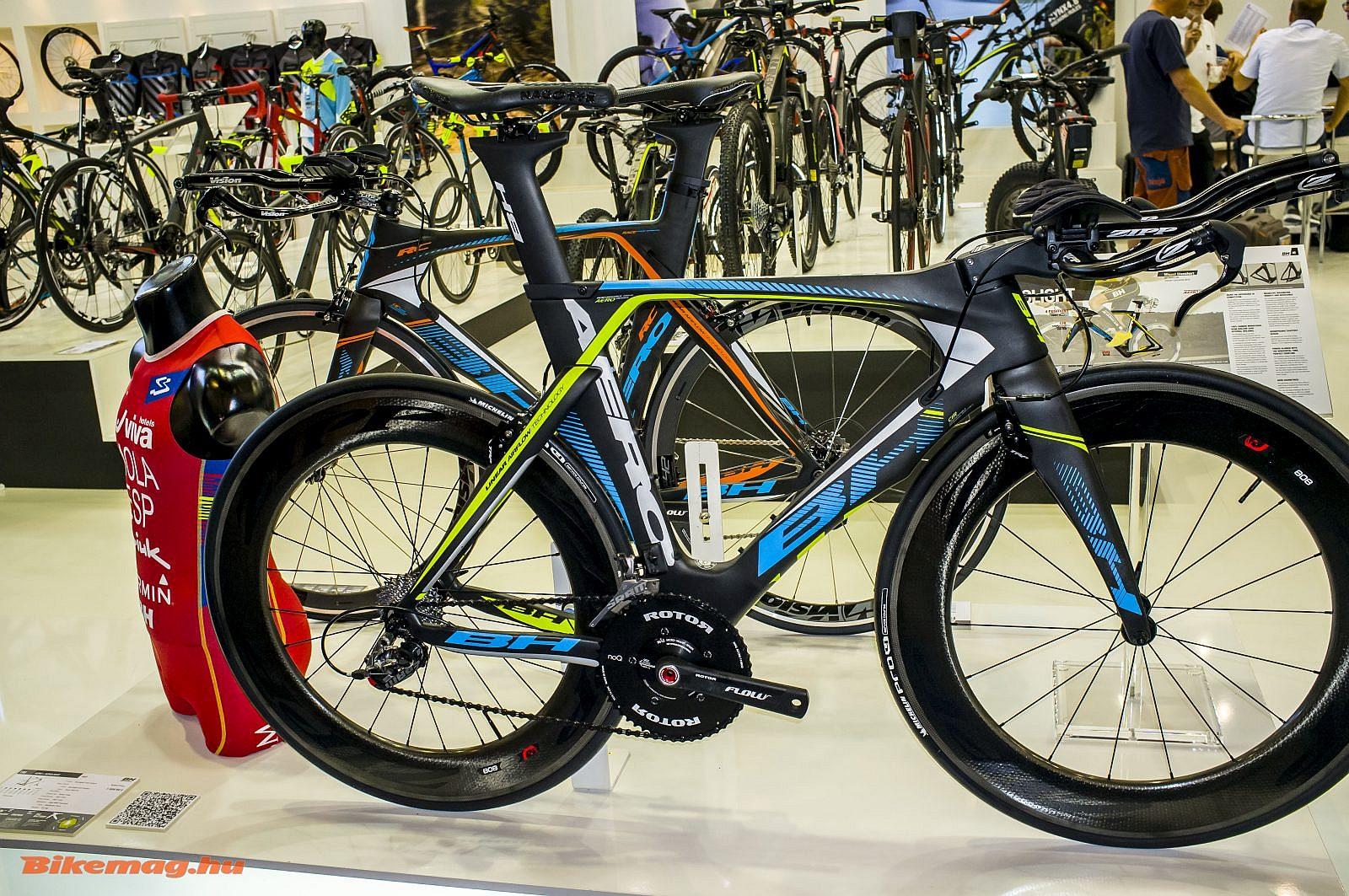 A triatlon csúcsmodell, a BH A