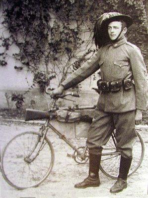 Az első világháboróban a katonák Bianchi kerékpárokon szolgáltak...