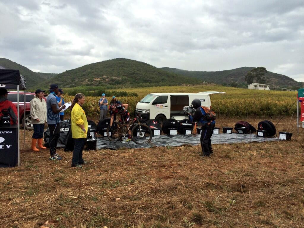 A BMC csapata küzd a defektekkel