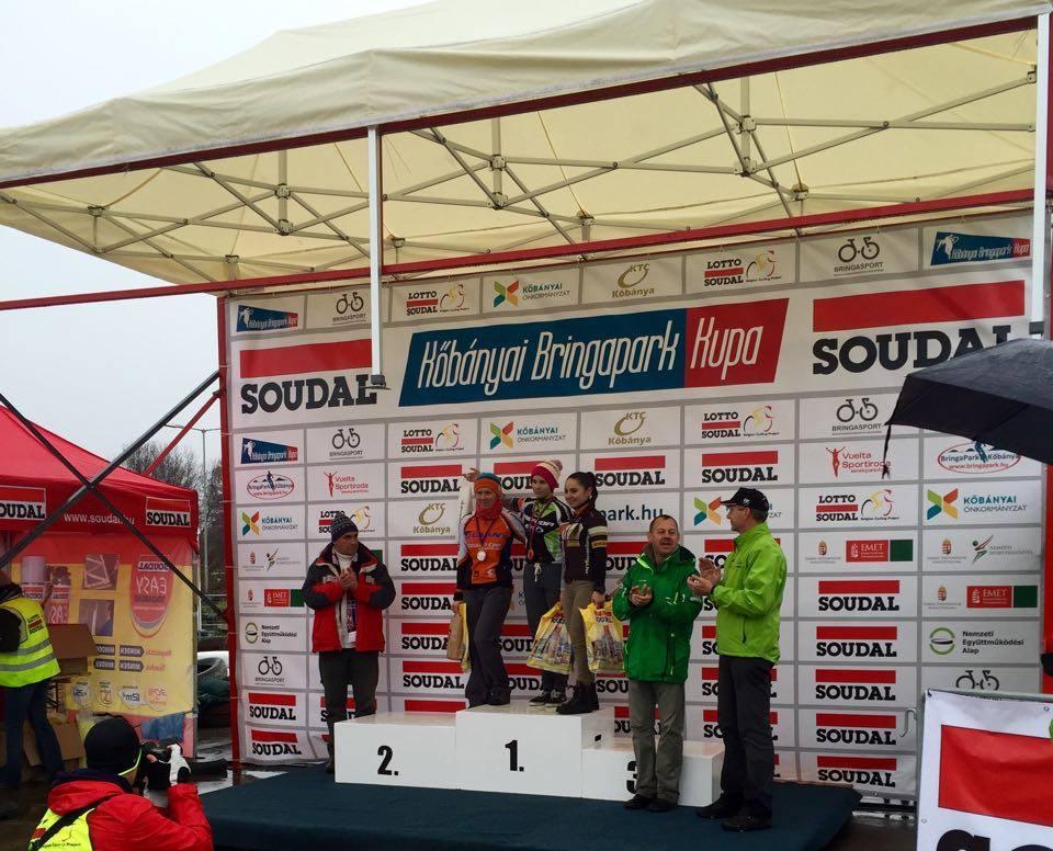 A nők között a még csak 15 éves Vas Kata Blanka (Merida Maraton Team CST) nyert!