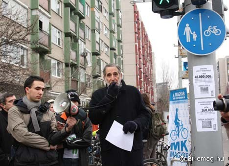 László János, a Magyar Kerékpárosklub elnöke élesen bírálta a beruházást