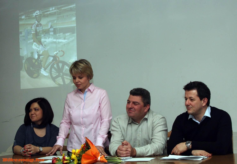 Balról: Pataki Rózsa (BVSC-Zugló Kerékpáros Szakosztály), Pataki Ibolya (BVSC-Zugló Kerékpáros Szakosztály, szakosztályvezető), Venczli Krisztián (BVSC-Zugló Kerékpáros Szakosztály, technikai vezető), Szentpáli Gábor (BVSC-Zugló ügyvezető elnök)