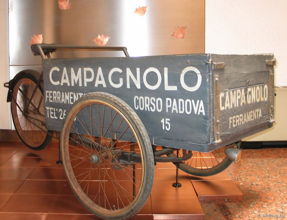 Tullio Campagnolo ezzel vitte portékáját a piacra a 30-as években