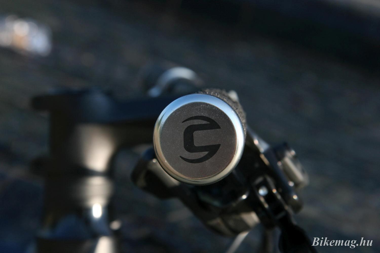 Gyönyörű részletek: Cannondale markolatvég
