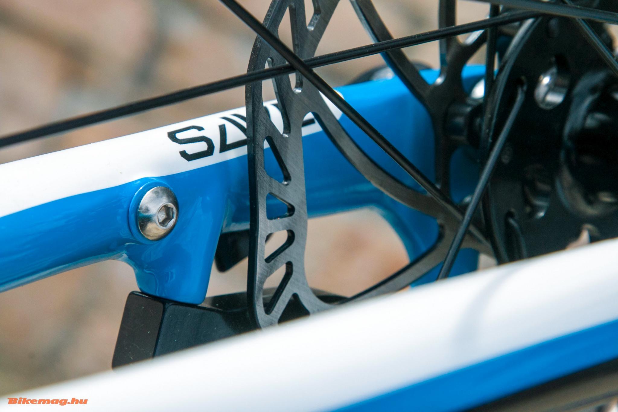Cannondale Synapse Al 105 Disc - akár sárvédőt is felszerelhetünk