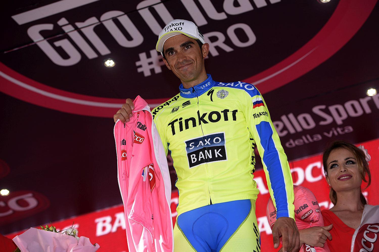 Alberto Contador nem tudta felvenni a rózsaszínű trikót (Fotó: Stefano Sirotti)