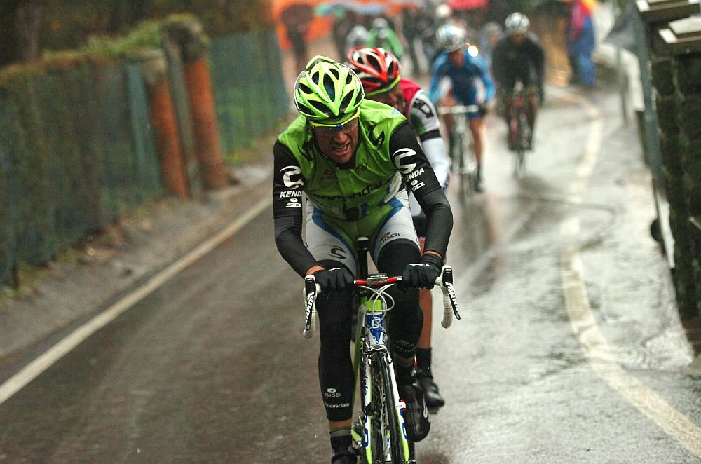 A szakaszgyőztes, Damiano Caruso, mögötte Alessandro Mazzi küzd (Foto: Stefano Sirotti)