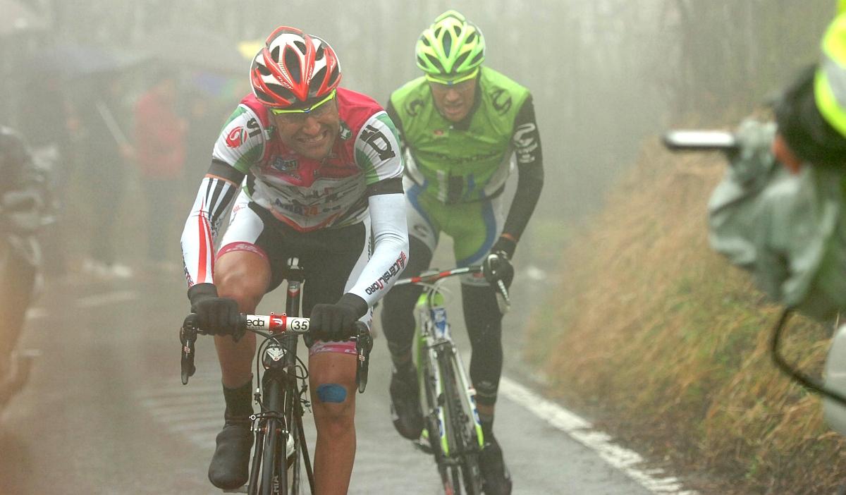 Mazzi és Damiano Caruso harcban a szakaszgyőzelemért (Fotó: Stefano Sirotti)