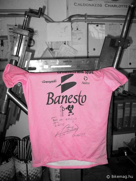 """""""Dario barátomnak: Miguel Indurain - Giro '93"""" - Vajon miért került a műhelybe ez a mez?"""