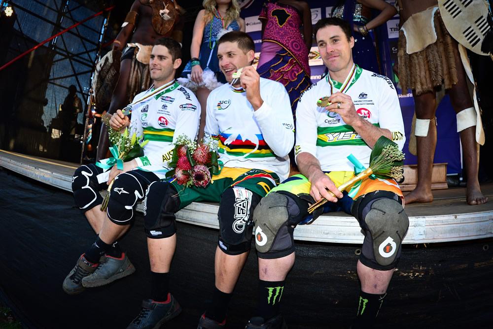 A downhill vb férfi dobogósai (balról): Mick Hannah, Greg Minnaar, Jared Graves