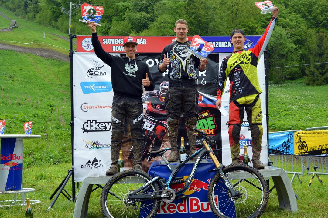 Elite dobogó: 1. Liszi Attila (HUN - LiMiT Racing Team), 2. Stanislav Sehnal (CZE - Banshee Bikes Charvat Bros), 3. Jozef Ondic (SVK - Kellys Factory Team)