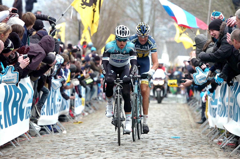 Nem is volt igazán veszélyes támadás, a verseny második felében a Jetse Bol (Blanco), Laurens De Vreese (Topsport Vlaanderen-Baloise), André Greipel (Lotto-Belisol), Michael Kwiatkowski (Omega Pharma-Quickstep), Maarten Tjallingii (Blanco) and Marcel Sieberg (Lotto-Belisol) szökev