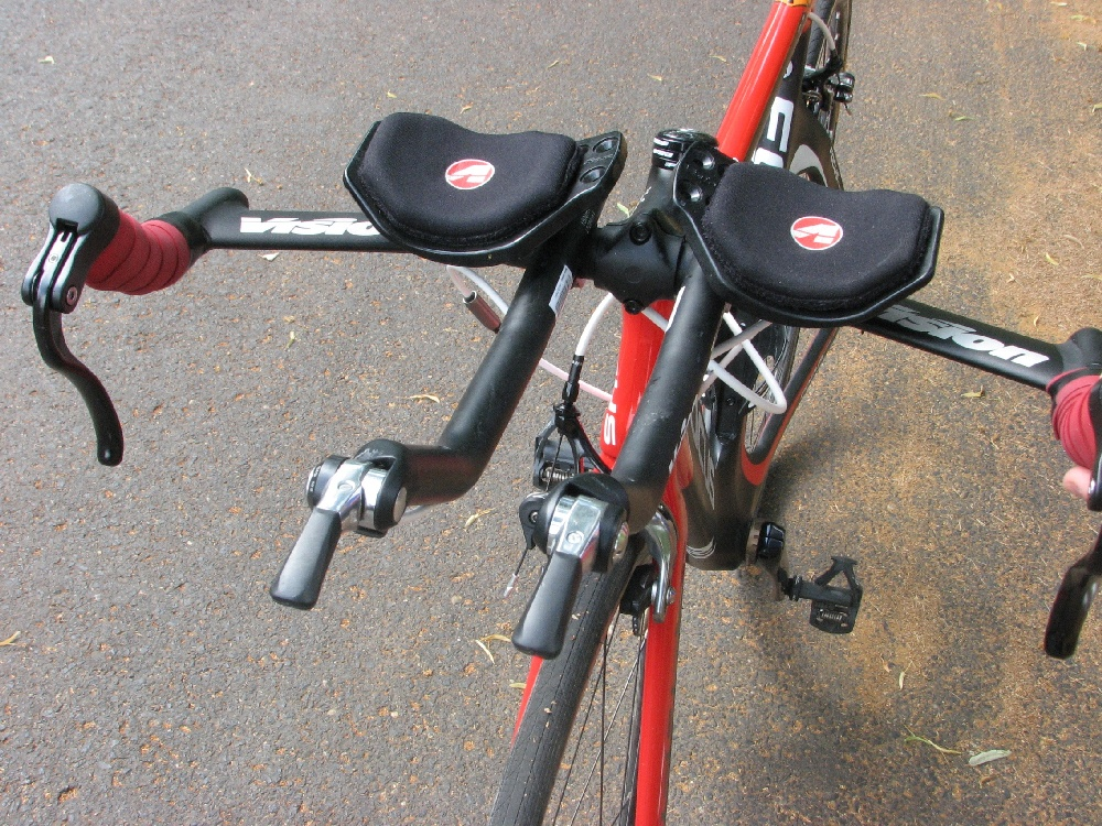 országúti kerékpár ismerősök