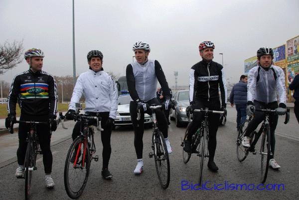 """Spanyol országúti és időfutam világbajnokok: Igor Astarloa, Oscar Freire, Miguel Indurain, Abraham Olano, valamint Pedro Delgado, aki """"csak"""" Tourt nyert"""