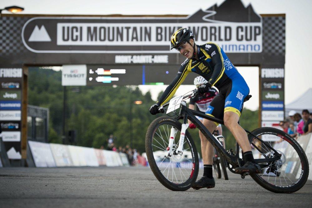Simon Gegenheimer kis szerencsével második XCE világkupa sikerét aratta