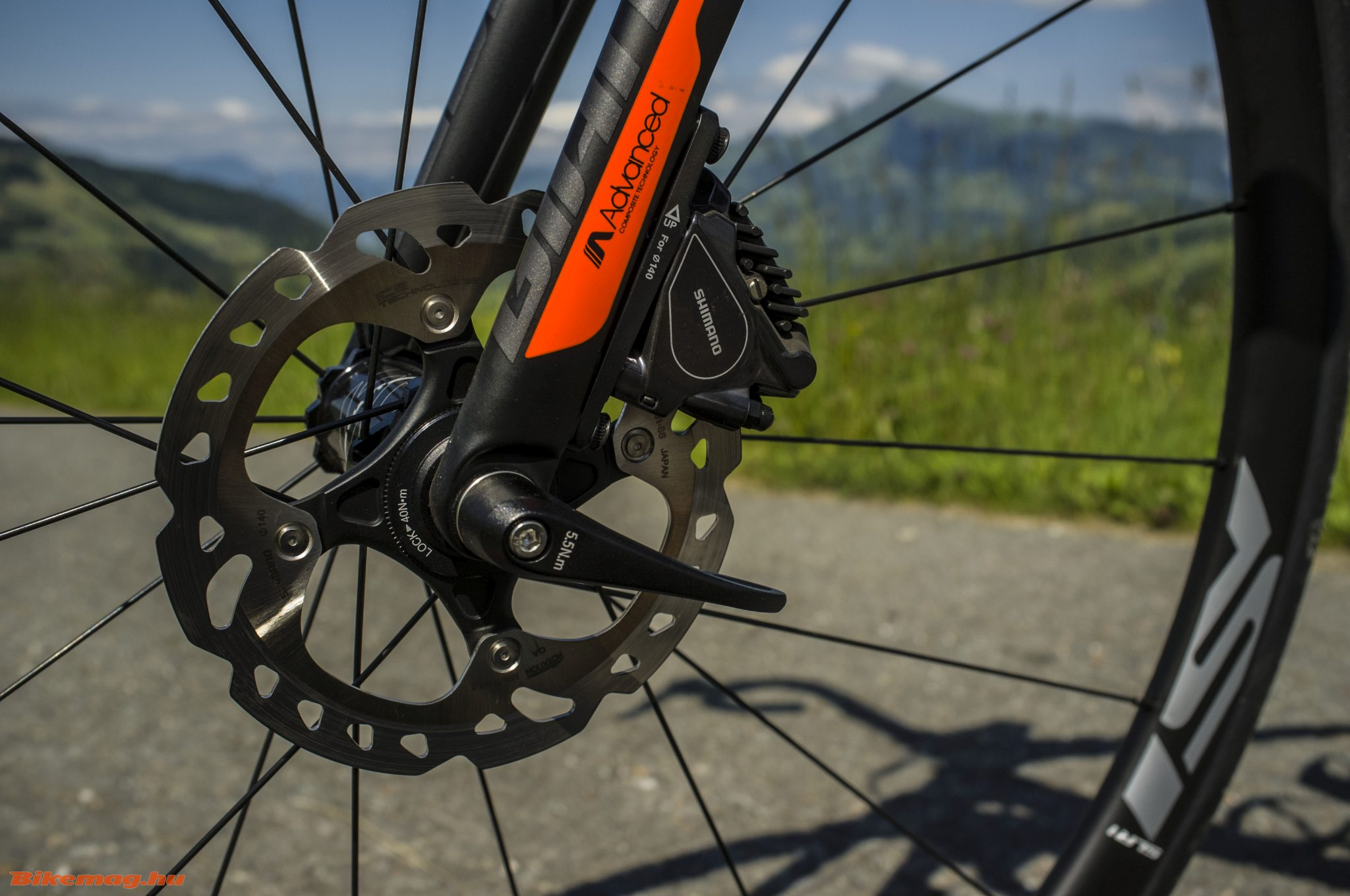 Giant TCR Advanced Pro Disc - flat mount fék és thru axle
