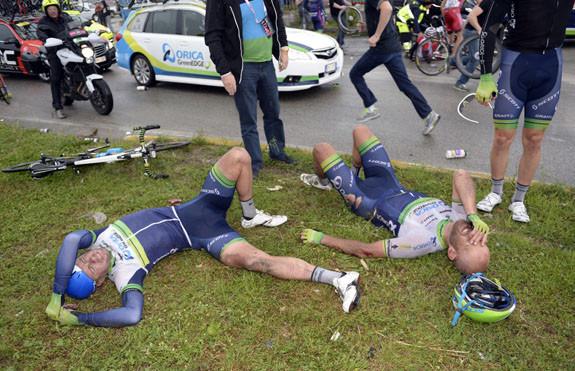 Az Oricásoknak is voltak azért veszteségeik, például a Giro első rózsaszínű trikósa, Svein Tuft is nagyot esett