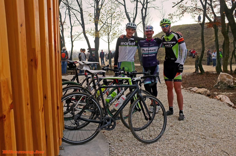 gravel bike-ok (na jó, cyclocross bringák) és gravel riderek