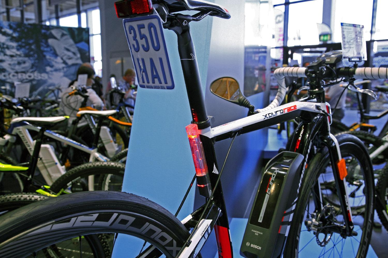 Rendszámköteles országúti kerékpár?