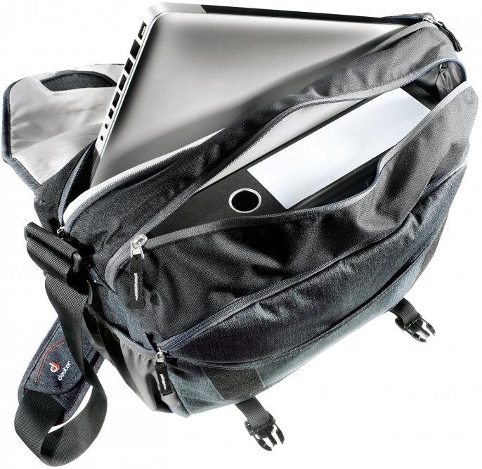 A laptoptáska manapság divatos viselet, de ugyanezek a funkciók hátizsákkal is biztosíthatók...