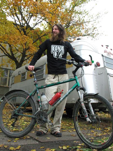 Október végén a Kona magyar főhadiszállásán
