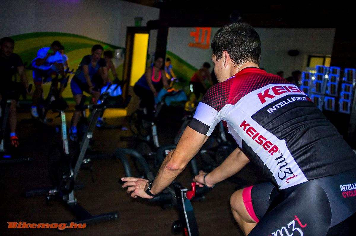 indoor_cycling_megafitness_01