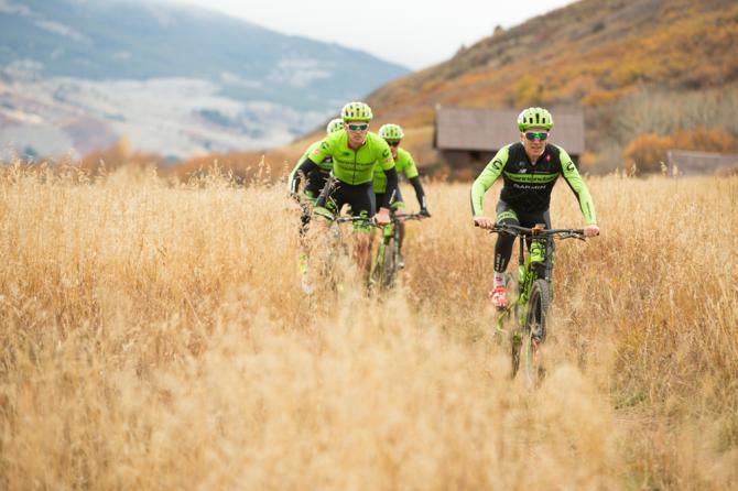 mountain bike túra a Sziklás-hegységben
