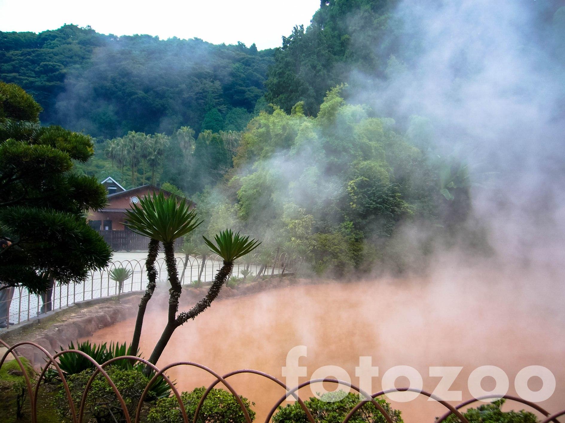 Beppu vörös pokla, japánul jigoku névre hallgat a legendás onsen.