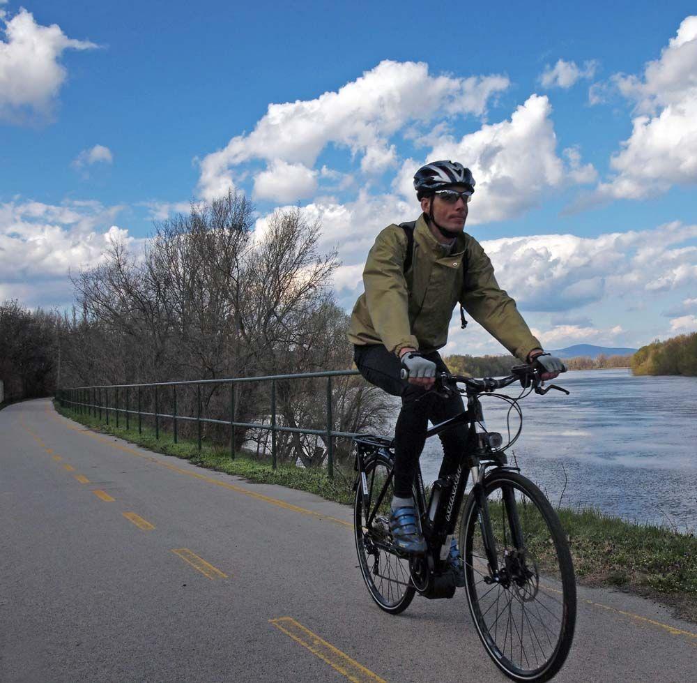 Kirándulásra, túrázásra, városi közlekedésre ideális kerékpártípus, a Pedelec rendszer pont az ilyen felhasználásban működik a legjobban...