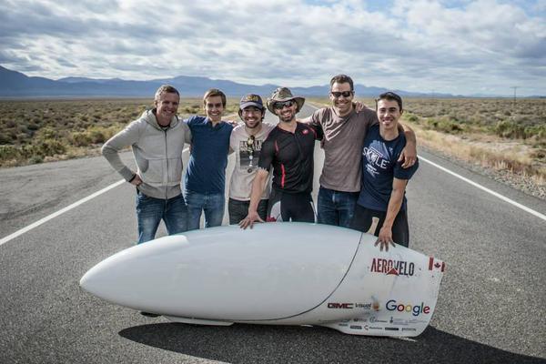 Az AeroVelo csapata