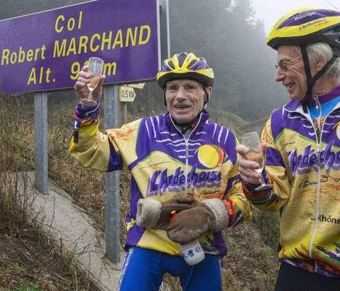 Azóta hegyet is neveztek el Marchandról, még mindig rendszeresen bicajozik, de max 100 km-es távokat vállal be...